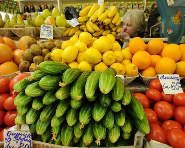 Bruselas y Moscú dan un paso hacia levantamiento de embargo ruso sobre verduras europeas - Sputnik Mundo