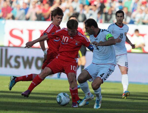 Rusia afianza su liderato de grupo rumbo a la Eurocopa tras derrotar a Armenia - Sputnik Mundo