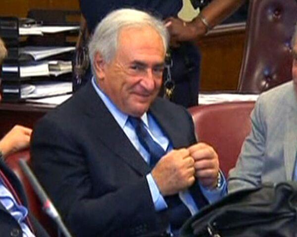 Periodista francesa presenta demanda contra Dominique Strauss-Kahn - Sputnik Mundo