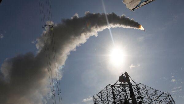 Lanzamiento de un misil S-300 (archivo) - Sputnik Mundo