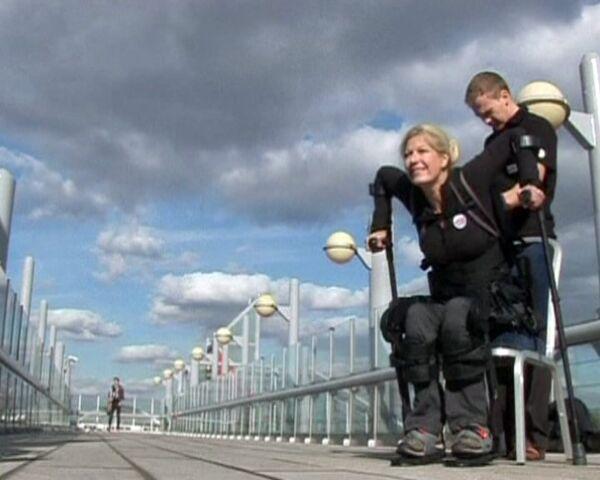 El traje que devuelve la movilidad a discapacitados - Sputnik Mundo