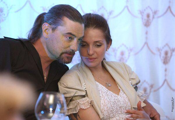 Evguenia con su marido Sean Karr - Sputnik Mundo