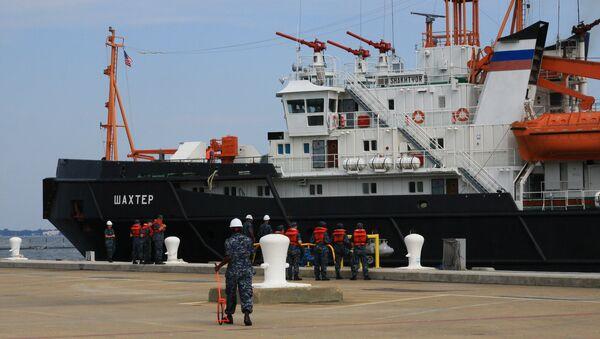 Un barco de salvamento de la Flota rusa del Mar Negro - Sputnik Mundo