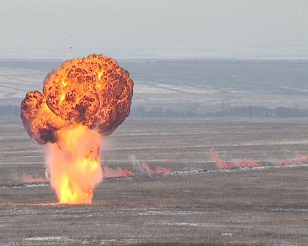 """Lanzallamas TOS-1A abaten al """"enemigo"""" con 140 proyectiles - Sputnik Mundo"""
