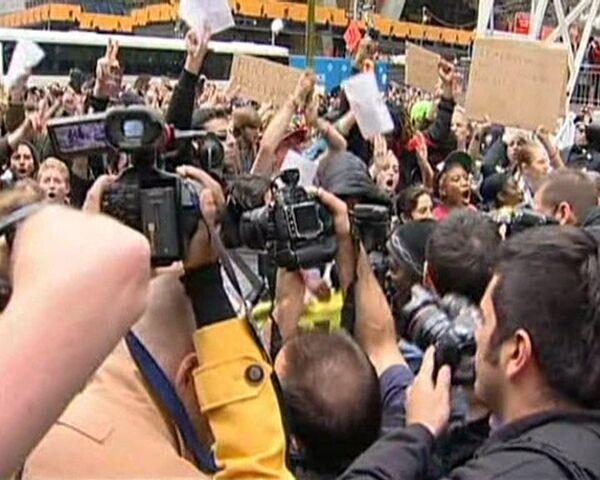 """Policía desmantela campamento """"Ocupa Wall Street"""" en Nueva York - Sputnik Mundo"""