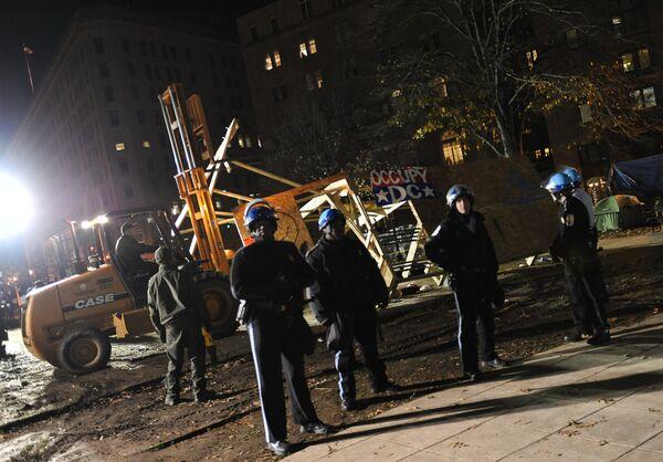 """Policía detiene al menos 62 activistas de movimiento """"Ocupar Wall Street"""" en Washington - Sputnik Mundo"""