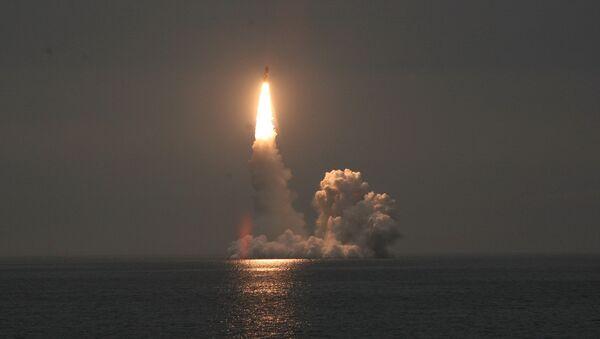 Lanzamiento del misil Bulavá (archivo) - Sputnik Mundo