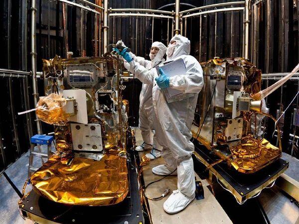 Las sondas gemelas GRAIL entrarán en órbita lunar en Año Nuevo - Sputnik Mundo
