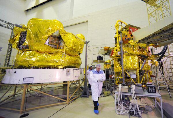 Rusia comprobará influencia de radares de EEUU en caída de sonda Fobos-Grunt - Sputnik Mundo
