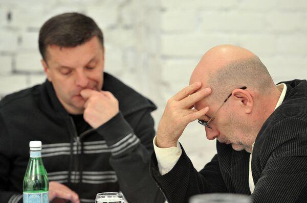 El escritor Borís Akunin y el periodista Leonid Perfiónov - Sputnik Mundo