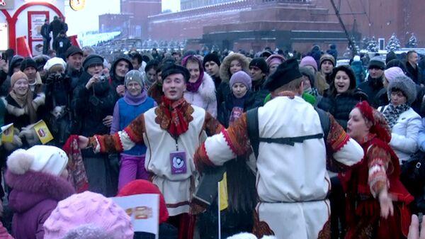 Rusia despide al invierno con la Máslenitsa, tradicional fiesta pagana - Sputnik Mundo