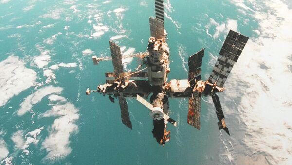 La estación orbital Mir - Sputnik Mundo