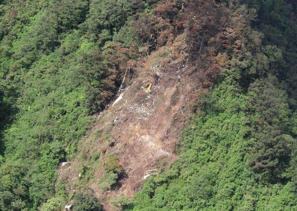 Identifican a primeras siete víctimas del accidente del SuperJet-100 en Indonesia - Sputnik Mundo
