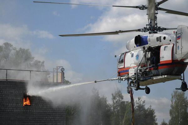 Exhibición de socorrismo en las afueras de Moscú - Sputnik Mundo