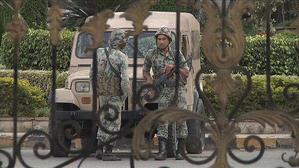 Soldados custodian el hospital adonde fue trasladado Mubarak - Sputnik Mundo