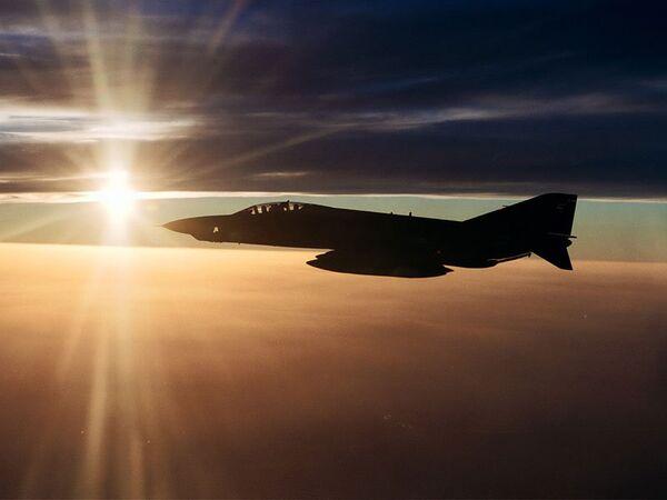 El avión turco RF-4E cayó al mar tras la detonación de un misil sirio según Ankara - Sputnik Mundo
