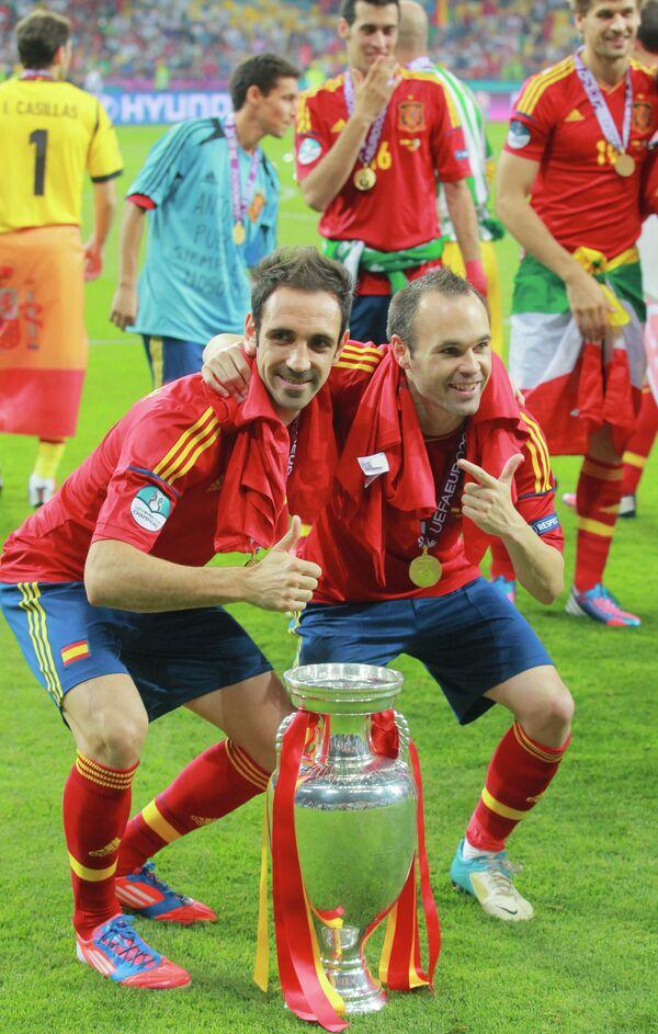 Andrés Iniesta nombrado el mejor jugador de la Eurocopa 2012 - Sputnik Mundo