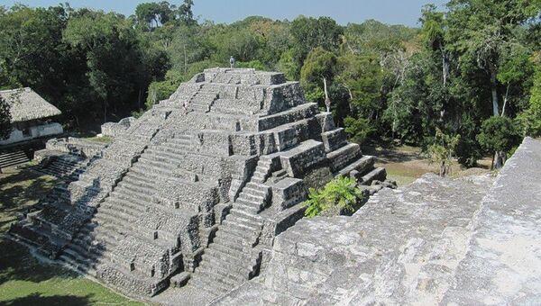 Una ciudad de la civilización maya - Sputnik Mundo