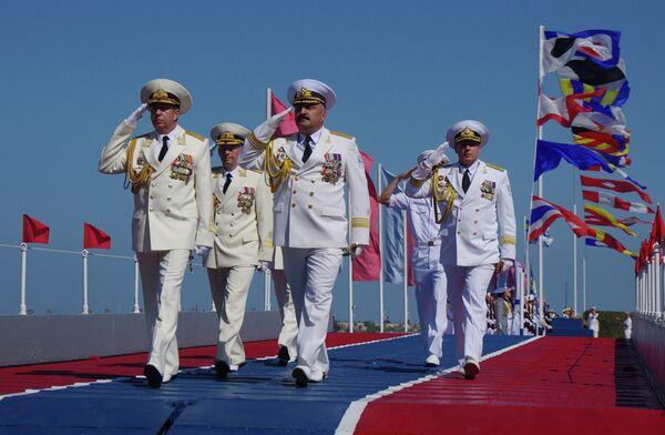 Rusia celebra el Día de la Armada con desfiles navales en principales puertos - Sputnik Mundo