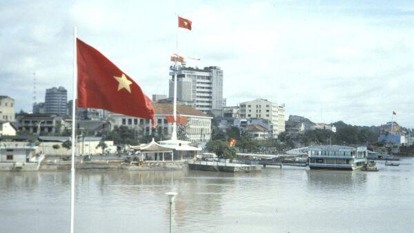 Autoridades vietnamitas limitan el número de invitados a bodas de miembros del Partido Comunista - Sputnik Mundo