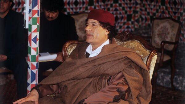 Muamar Gadafi, exlíder libio (archivo) - Sputnik Mundo