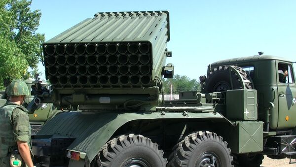 Военные в Волгограде первыми осваивают реактивные системы Торнадо-Г - Sputnik Mundo