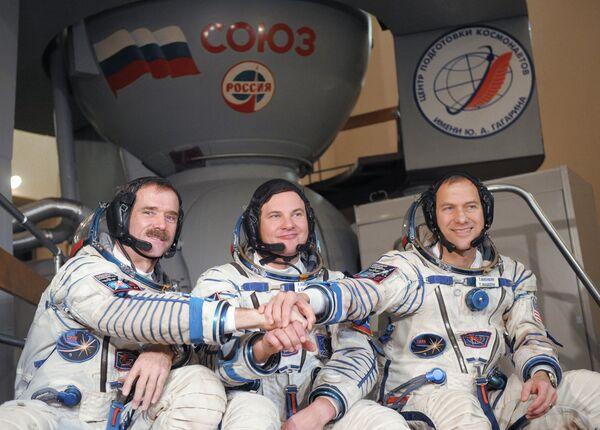 Chris Hadfield , Román Romanenko  y Thomas Marshburn - Sputnik Mundo