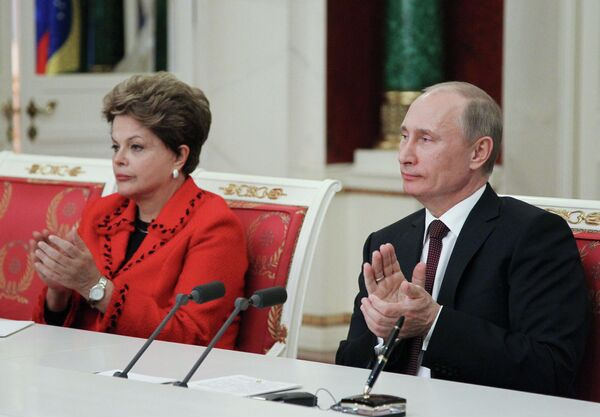 Putin llama a incrementar el comercio con Brasil a $10.000 millones al año - Sputnik Mundo