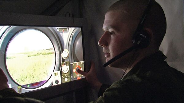 Soldados de la brigada motorizada Tamanskaya en combate virtual    - Sputnik Mundo