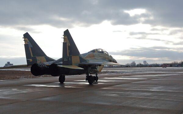 Rusia entrega a la India los primeros cazas embarcados MiG-29K/KUB - Sputnik Mundo
