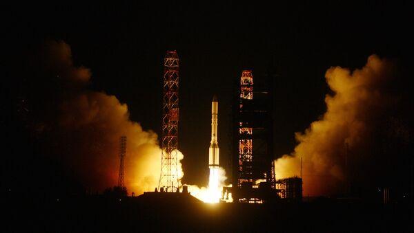 Despega desde Baikonur un Protón ruso con satélite turco Turksat-4В - Sputnik Mundo