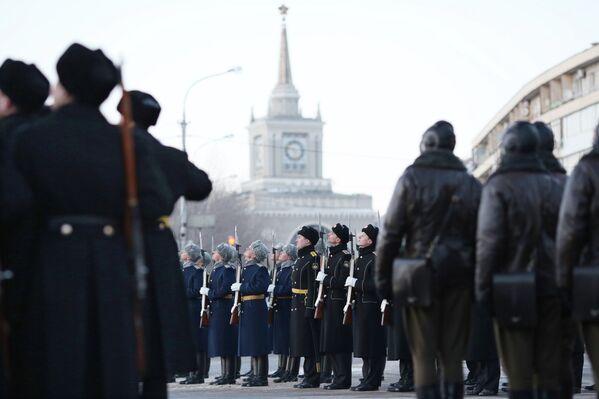 Ensayo general del desfile ante el 70 aniversario de la Batalla de Stalingrado - Sputnik Mundo