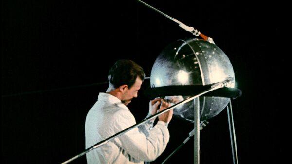 El Sputnik-1, el primer satélite artificial del mundo - Sputnik Mundo