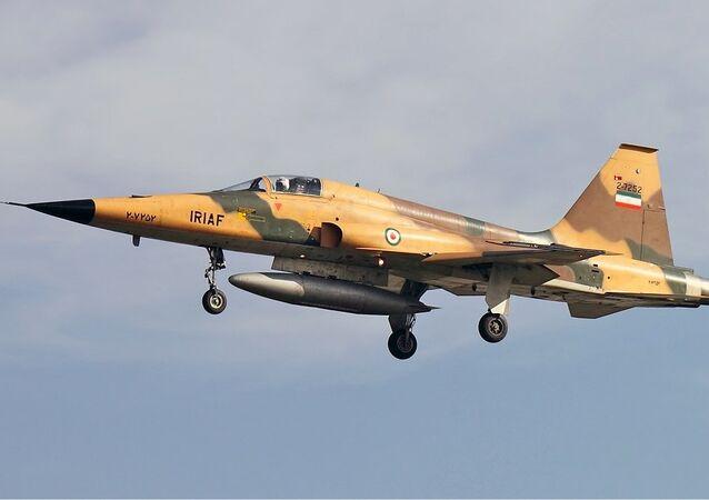 Avión de combate Northrop F-5 de las Fuerzas Aéreas de Irán