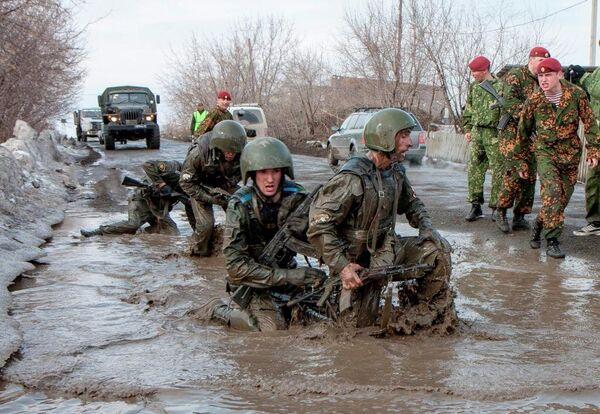 Lo que cuesta la boina roja en las Fuerzas Especiales de Rusia - Sputnik Mundo