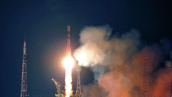 """Cohete portador """"Soyuz-U"""" con el carguero Progress M-16M - Sputnik Mundo"""