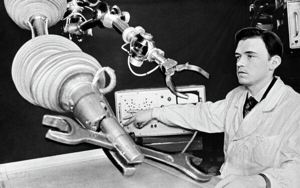 La historia de la robótica en la URSS y Rusia en las imágenes de RIA Novosti - Sputnik Mundo