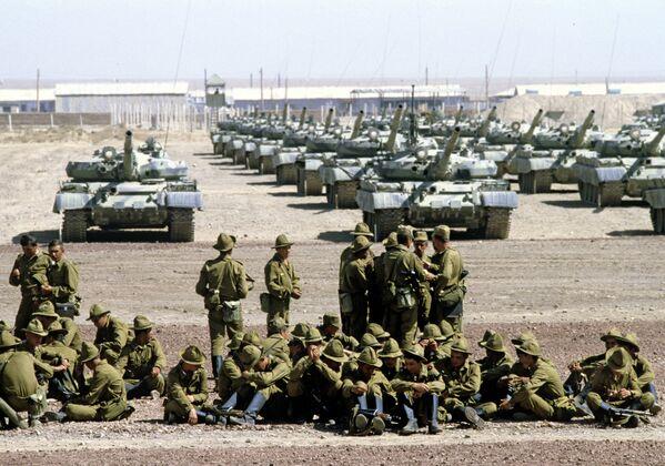 La retirada de las tropas soviéticas de Afganistán en 1988 - Sputnik Mundo
