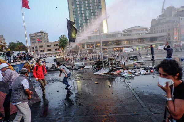 Manifestantes en parque Gezi en Estambul - Sputnik Mundo