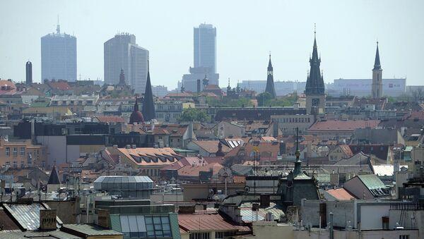 Una manifestación contra las sanciones antirrusas de Occidente tiene lugar en Praga - Sputnik Mundo