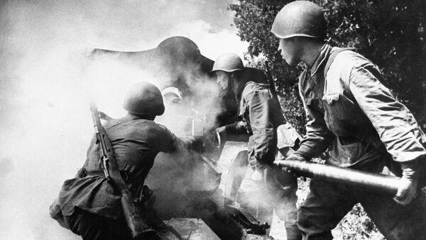 Soldados soviéticos durante la Segunda Guerra Mundial - Sputnik Mundo