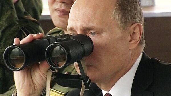 Putin asiste a la inspección al Ejército más importante desde la caída de la URSS - Sputnik Mundo