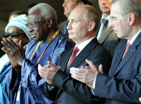 Vladímir Putin inaugura en Moscú los XIV mundiales de atletismo - Sputnik Mundo