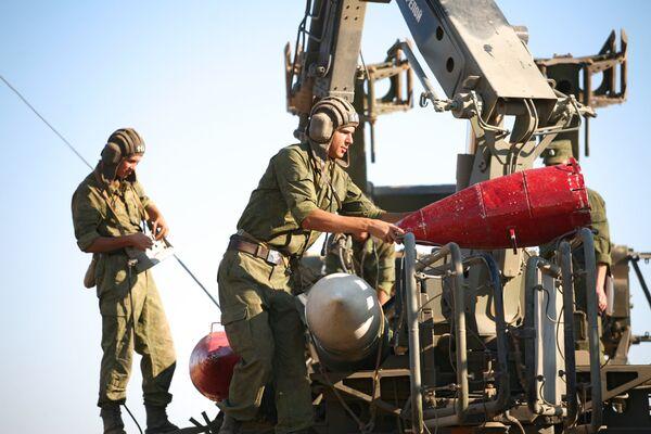 Rusia ensayará 60 muestras de armamento en el polígono de Kapustin Yar en 2013 - Sputnik Mundo
