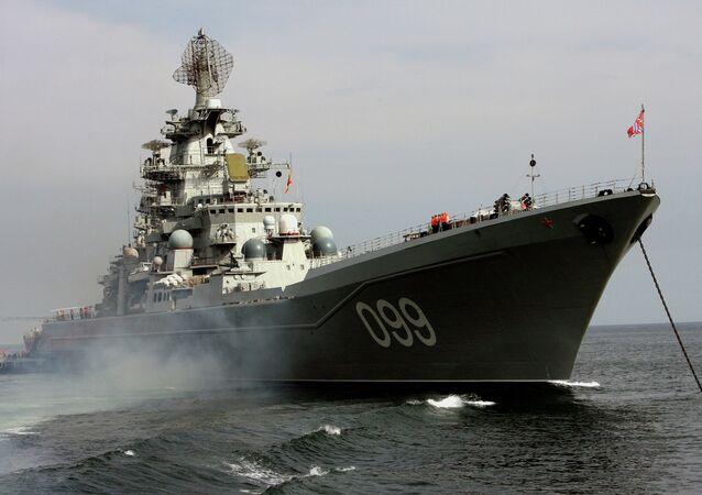 El crucero Piotr Veliki