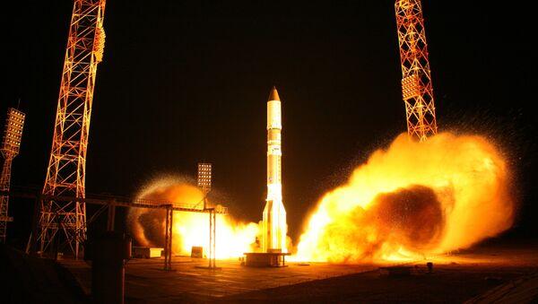 Lanzamiento de cohete Protón-M - Sputnik Mundo