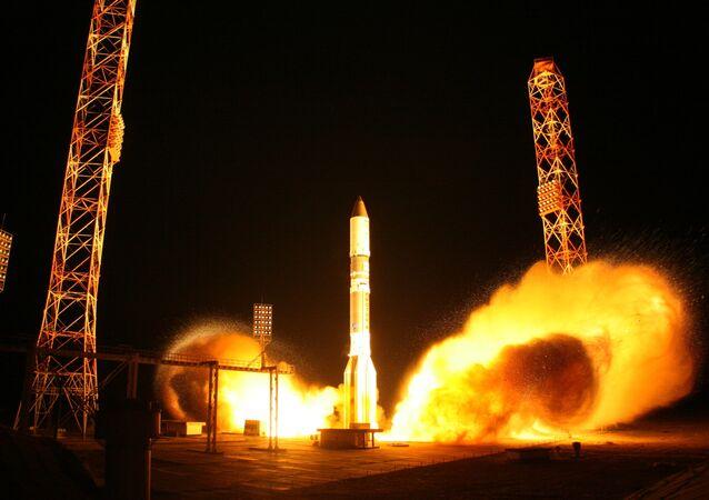 Lanzamiento de cohete Protón-M (archivo)