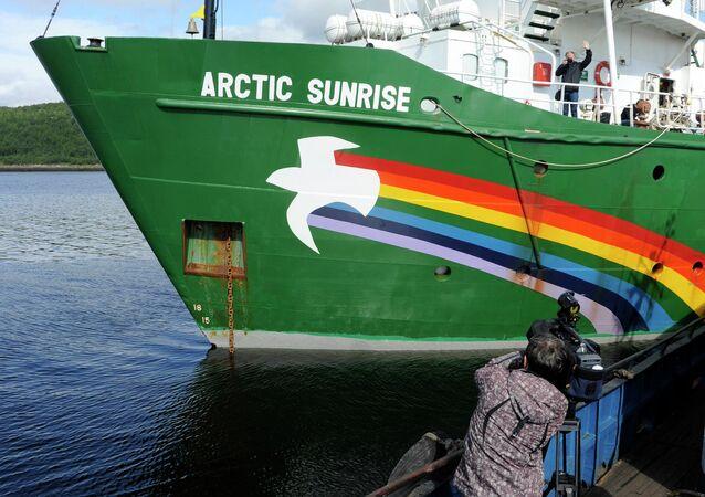 Rompehielos Arctic Sunrise