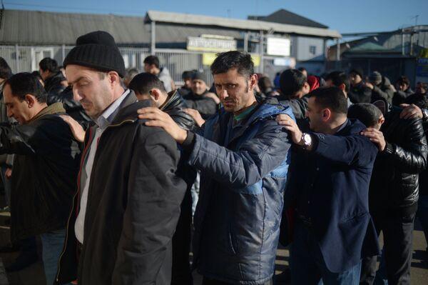 Rusia expulsó más de 63.000 inmigrantes  en 2013 - Sputnik Mundo