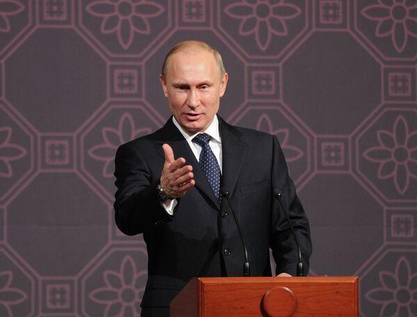 El presidente ruso Vladimir Putin - Sputnik Mundo